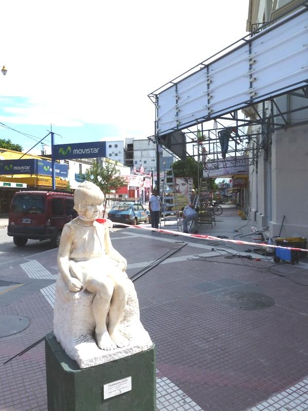 Statue servant pour les travaux, Resistencia, Argentine
