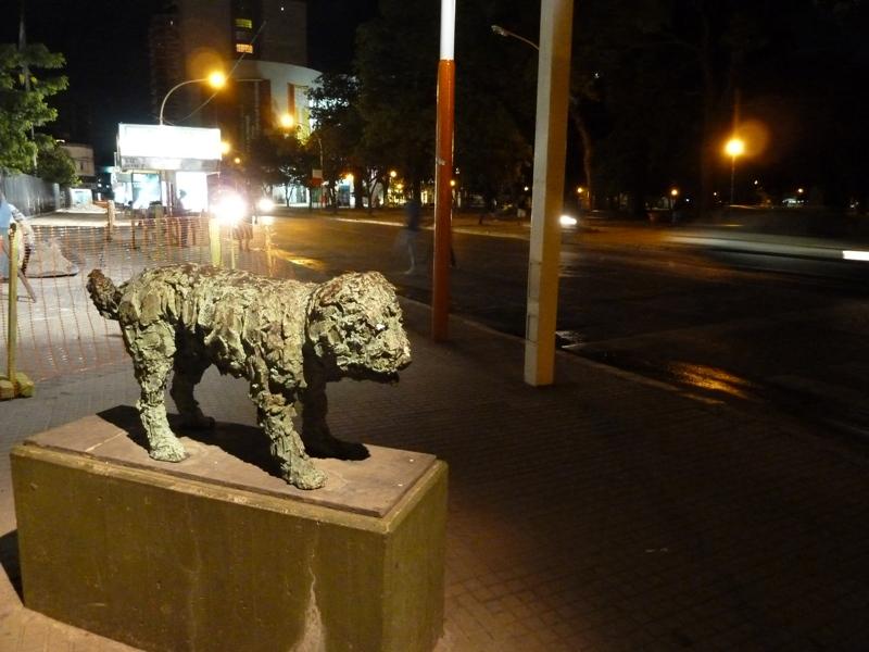 Sculpture de chien, Resistencia, Argentine