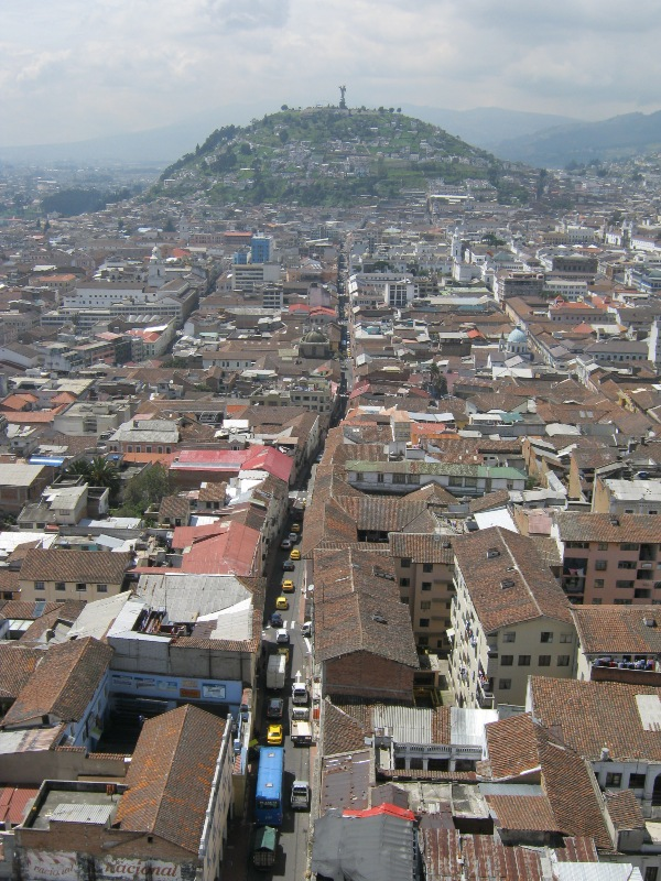 Quito, vue de la Basilique du Vote National