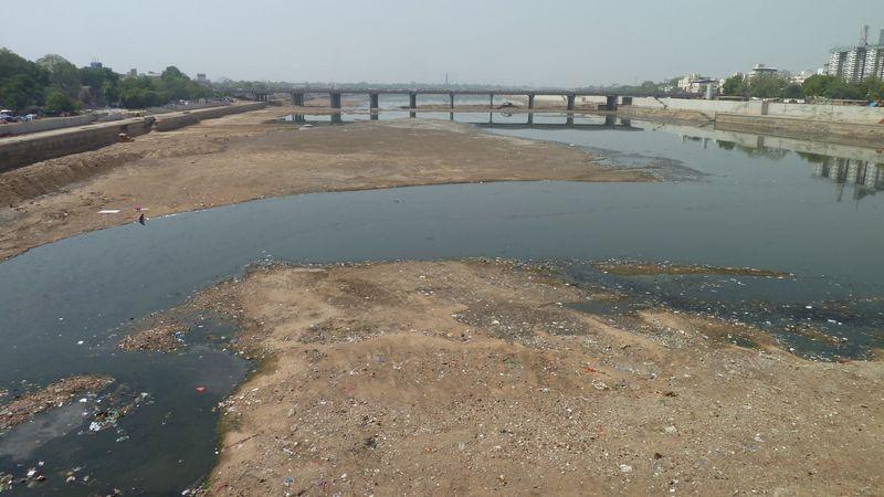 Rivière d'Ahmedabad, Inde