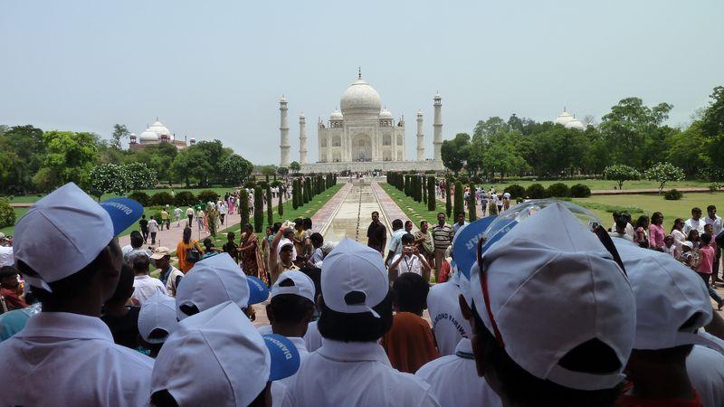 Taj Mahal et la foule, Agra, Inde