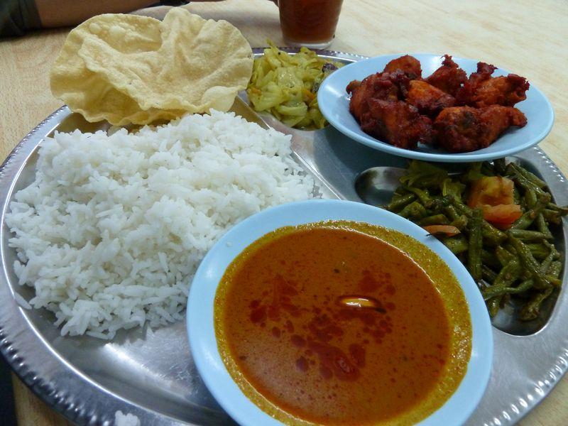 Poulet frit, riz et légumes, Malaisie