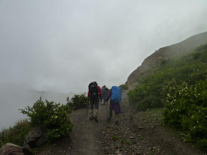 In the rain, to Lethar, trek around the Annapurnas, Nepal