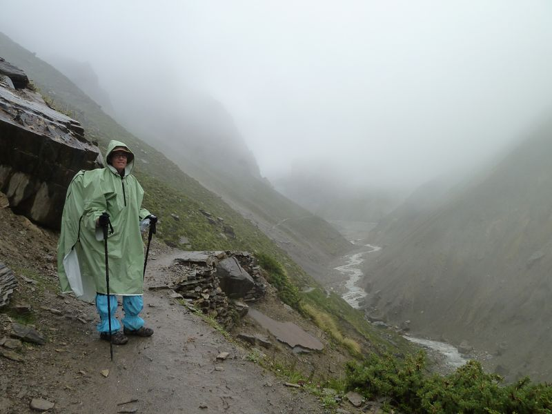 Under the rain to Thorung Phedi, around Annapurnas, Nepal