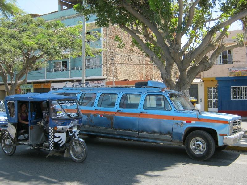 Limousine et tuc tuc, Piura