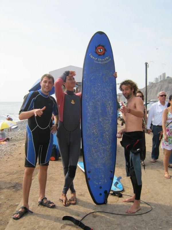 Surf à Lima avec Baptiste et Silvio