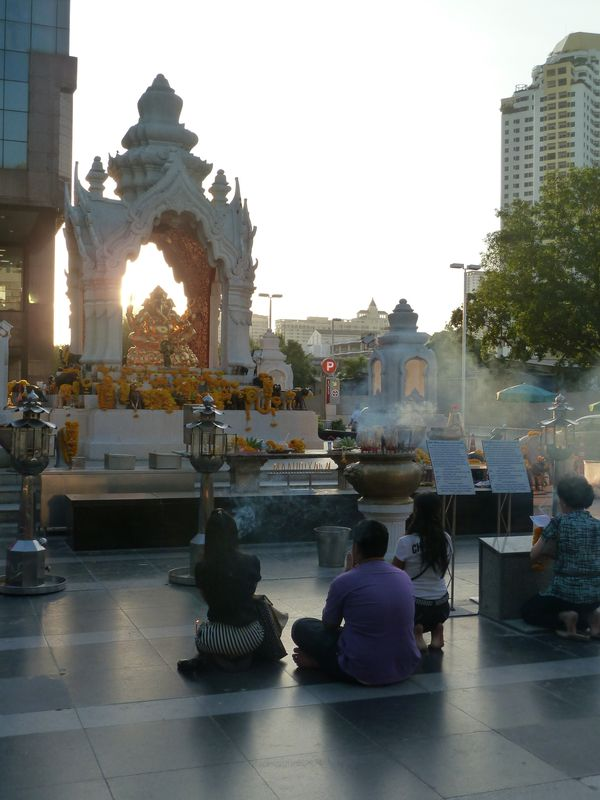 Temple in front of a mall, Bangkok, Thailand
