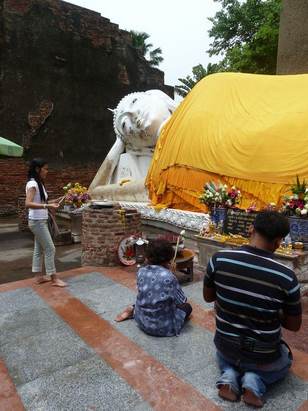 Wat Yai Chai Mongkhon, grand bouddha couché, Ayutthaya, Thaïlande