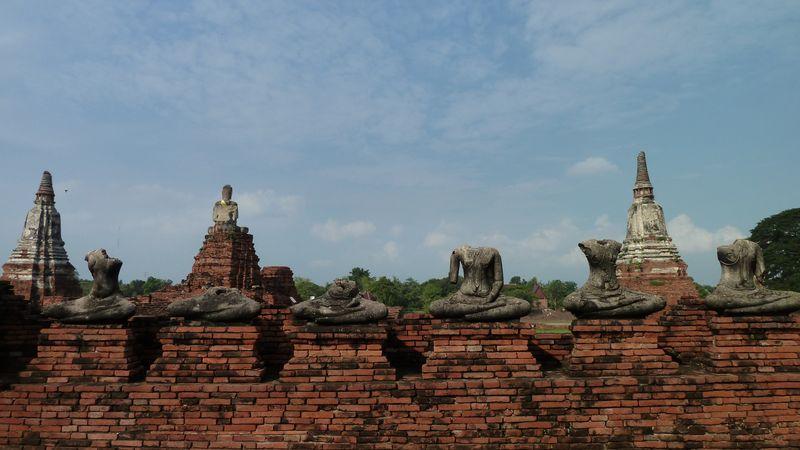 Wat Chai Watthanaram, bouddhas sans têtes, Ayutthaya, Thaïlande