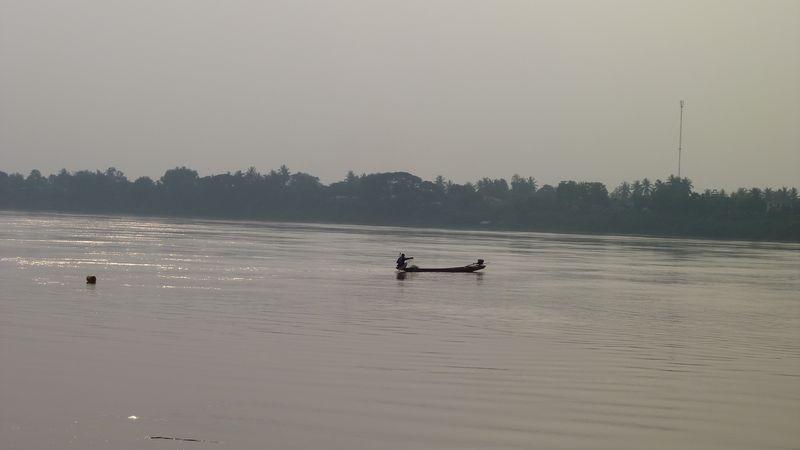 SUr le Mekong, Nong Khai, Thaïlande